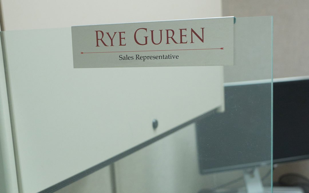 Glass Cubicle Nameplates